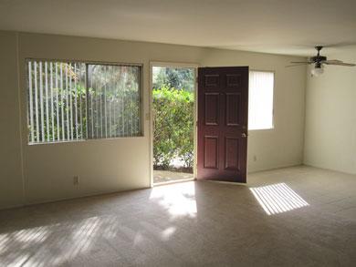 Living Room of 1BA/1BR Apt at Loma Vista
